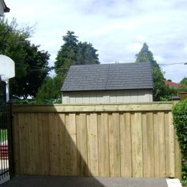 residential thick fencing