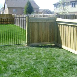 residential fencing with greenary1